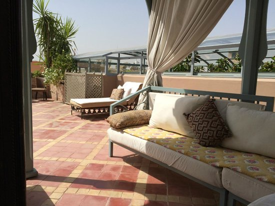 Riad Kniza: rooftop relaxation