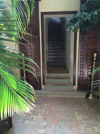 Riad Kniza : stairs to some of the rooms