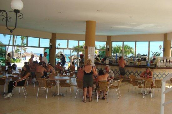 Viva Wyndham Maya: Restauran de Playa