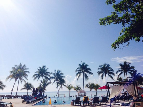 Azul Beach Resort The Fives Playa Del Carmen: Infinity pool