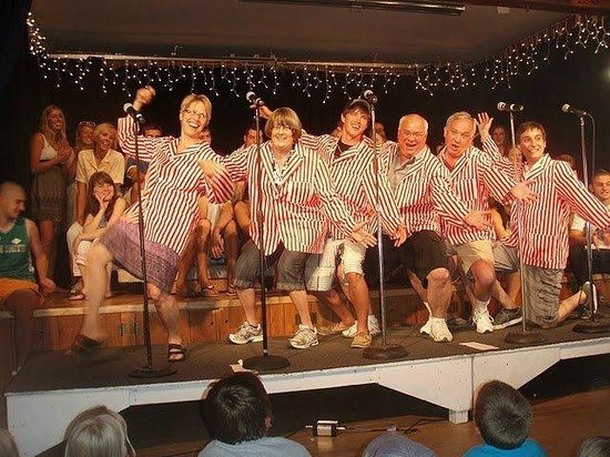 Fair Hills Resort : The Hootenanny is the longest running musical show in the Midwest