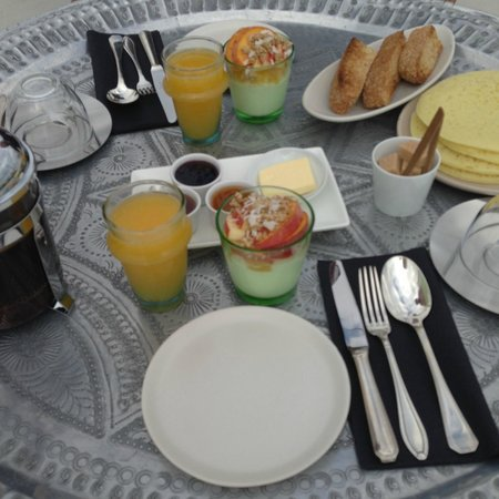 Dar 23: Breakfast! the crumpet things on the far right!! delicious....