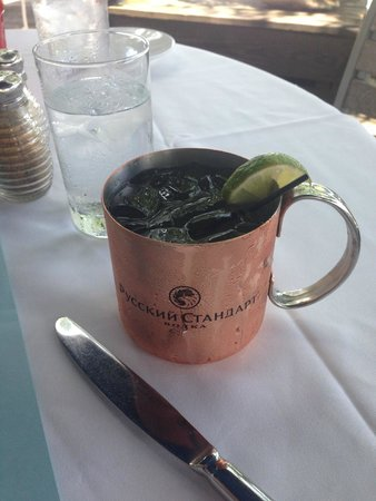 Louie's Backyard: a special drink with ginger beer