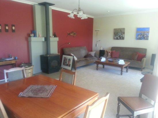 Jacaranda Lodge: Sitting Room