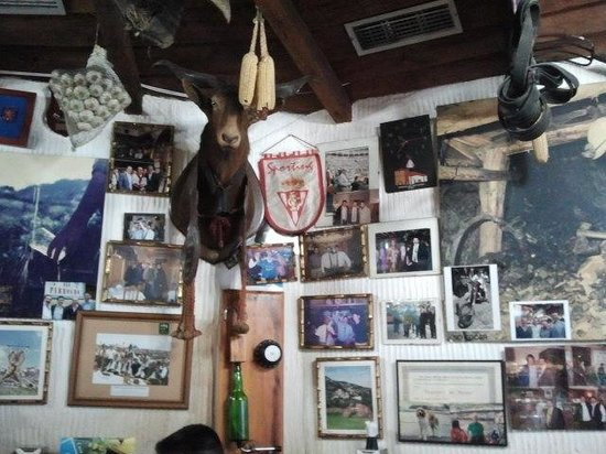 Casa Parrondo: la sala..