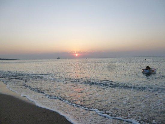 Hotel Calypso : Swimming at sunrise