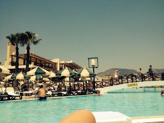 WOW Bodrum Resort: Pool side 36degrees