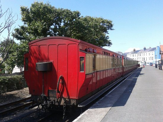 Isle of Man Bus and Rail: Travel in style.
