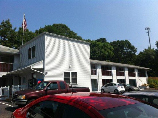 Liberty Inn : outside view