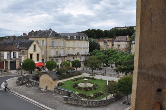 Les Cordeliers Bed and Breakfast : View from our first room