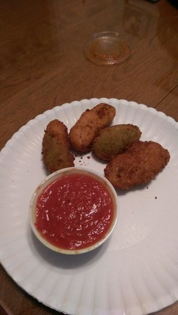 Winslow, NJ: JALAPENO POPPERS -1. I WAS HUNGRY. U GET 5 IN AN ORDER.