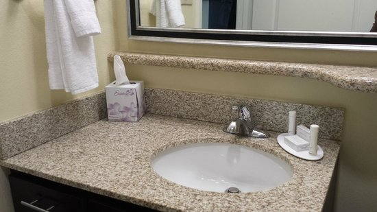TownePlace Suites Corpus Christi: Bathroom Counter