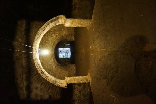Cape Coast Castle : damp, dark, dirty dungeon cells