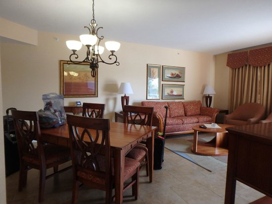 Vacation Village at Parkway: Living room/Dining Room