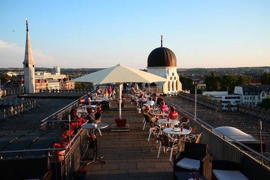Yenidze - Restaurant: Die Terrasse...