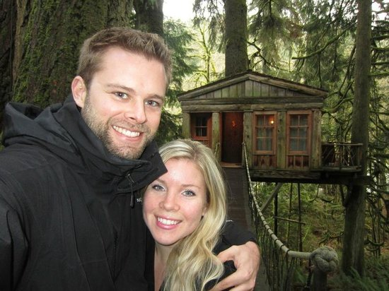 Treehouse Point: Wifey and I