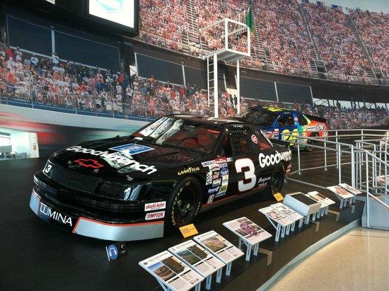 NASCAR Hall of Fame: O carro do lendário Dale Earnhardt