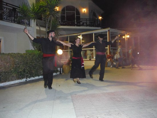 Katerina Palace Hotel : greek night