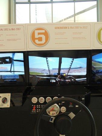NASCAR Hall of Fame: simulador da diferença dos carros nas gerações da NASCAR