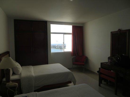 Decameron Cartagena: Vista diurna y habitación