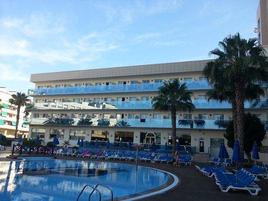 Golden Taurus Park Resort : rooms above Habana bar