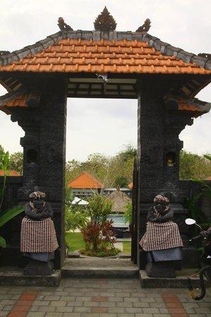 Bali Bule Homestay : Entrance