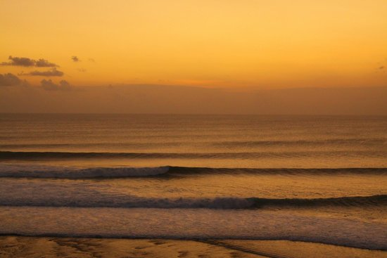 Bali Bule Homestay : Sunset at Single Fin