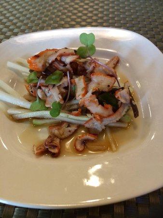 Bushido Asian Restaurant & Bar: Squid Salad