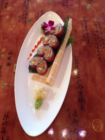 Yuan Asian Cuisine: Tuna Lover Roll:)