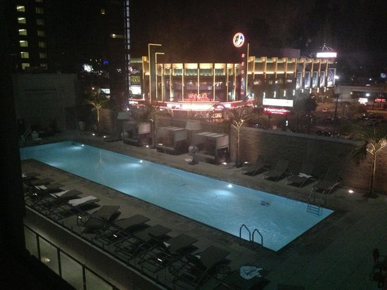 Residence Inn Los Angeles L.A. LIVE : View at night from 5th floor