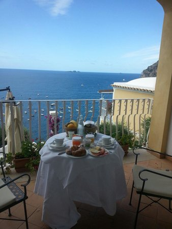 Hotel Marincanto: Breakfast on the terrace!