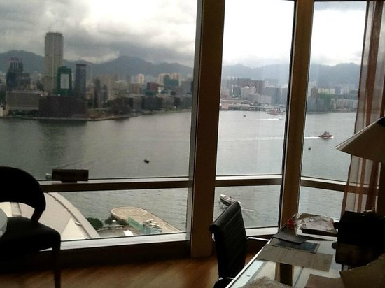 Renaissance Hong Kong Harbour View Hotel: great view from our room