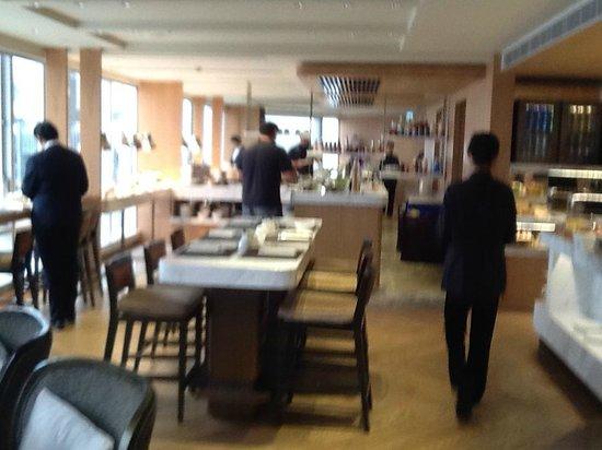 Renaissance Hong Kong Harbour View Hotel: Executive Club Breakfast
