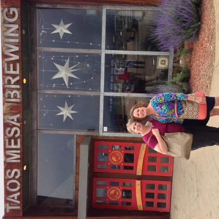 Taos Mesa Brewing : About to enter the bar