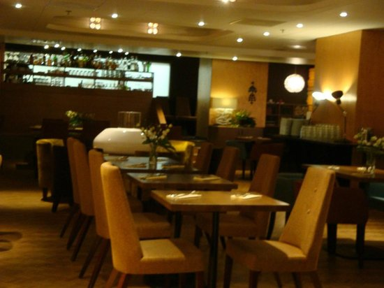 Klaus K Hotel : Breakfast Eating Area
