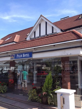 BEST WESTERN Palm Hotel: Front of Hotel