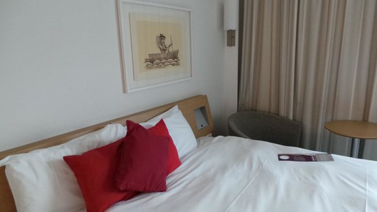 Novotel London West: bedroom