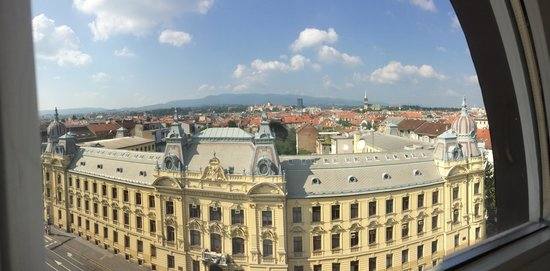 Esplanade Zagreb Hotel: View from room 604.