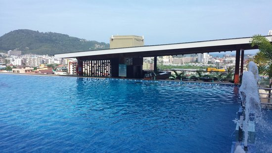 The Senses Resort: Swim up bar