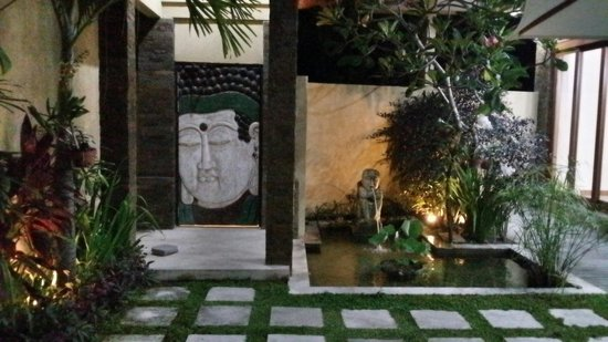 O Villas : Mini pond inside villa