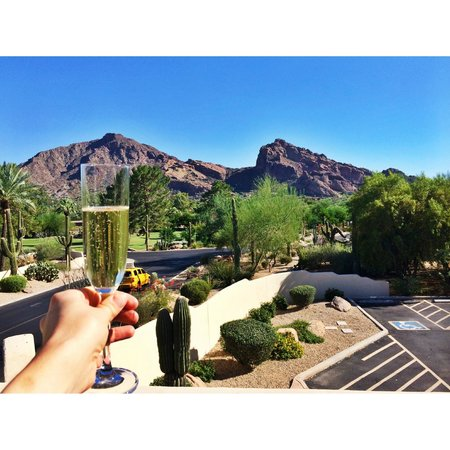 JW Marriott Scottsdale Camelback Inn Resort & Spa: View from our Room! Room 109 :)