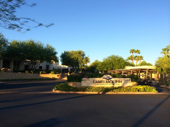 JW Marriott Scottsdale Camelback Inn Resort & Spa: Front of Resort