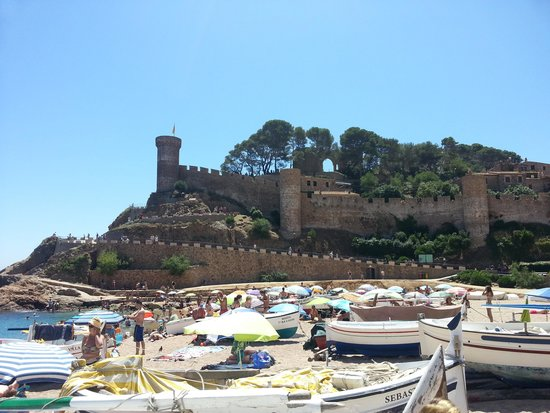 Vila Vella (Old Town): Tossa fort and beach
