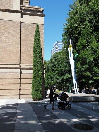 Portland Art Museum: Museum grounds