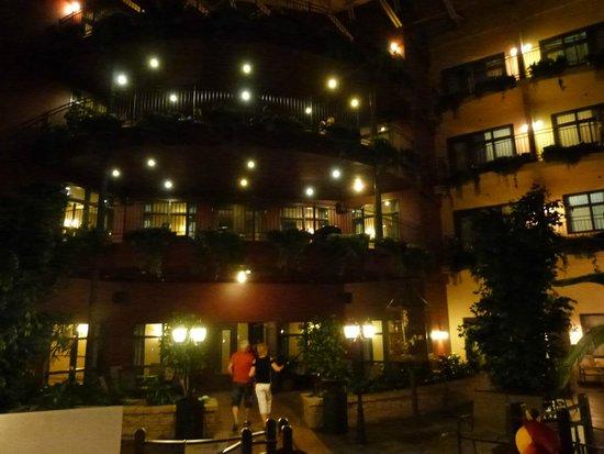 Hotel Ambassadeur Quebec: Piscina Indoor