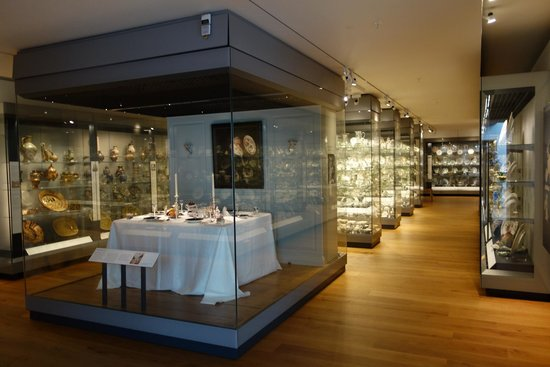 Ashmolean Museum of Art and Archaeology: Porcelin collection