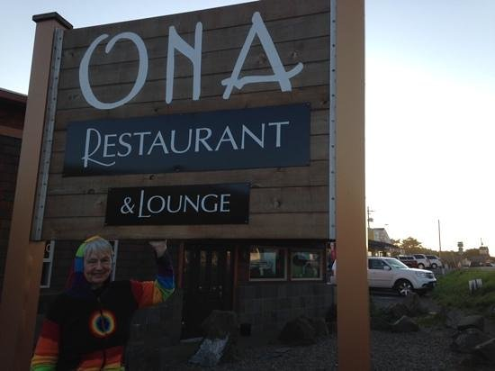 Ona Restaurant and Lounge : The Elf Eats at Ona