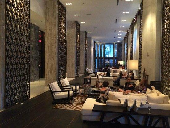 W South Beach: Lobby