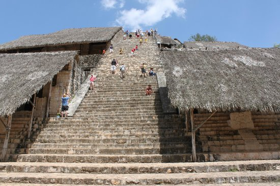 Ek Balam Mayan Ruins: It was kind of a scary climb...it's steep!