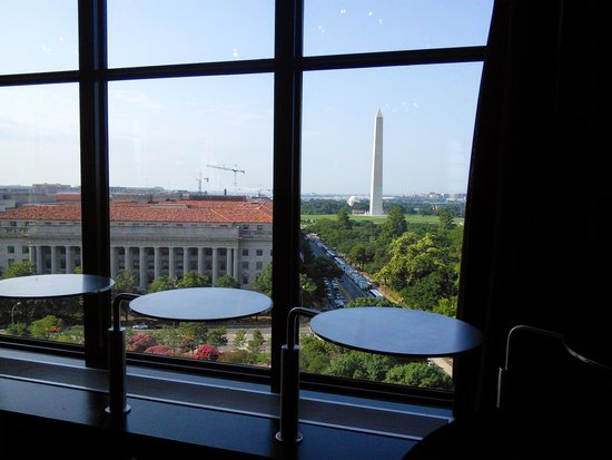 "W Washington DC : ""Point of View"" rooftop lounge"